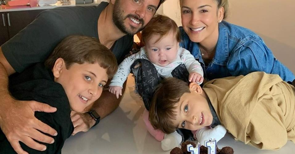 Cláudia Leitte comemora 11 anos de Davi ao lado de família