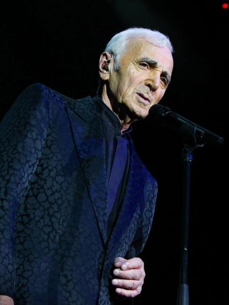 Charles Aznavour durante show no Espaço das Américas, em São Paulo, em maio de 2013 - Foto Rio News