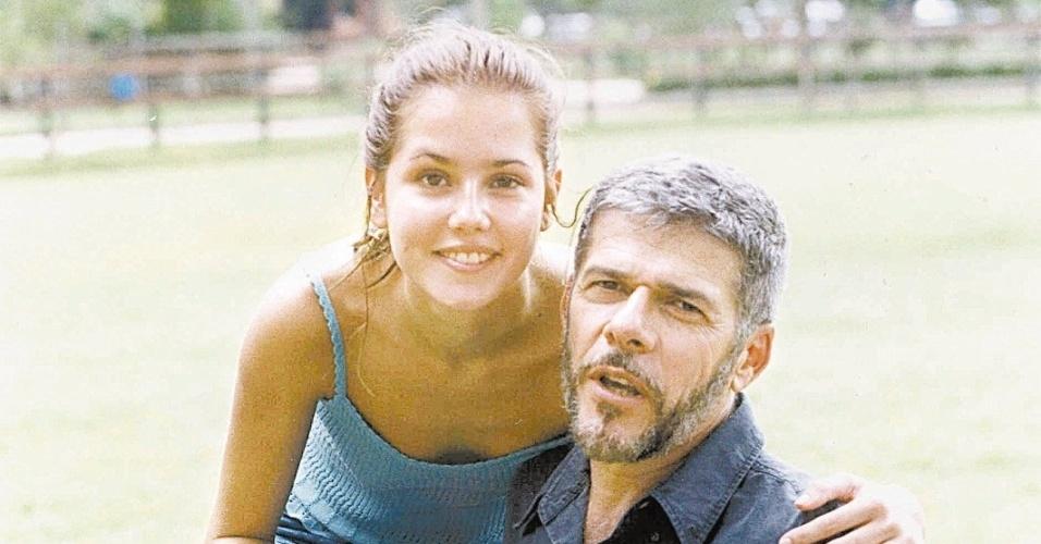 """""""Em Laços de família"""" (2000), a lolita Iris sempre foi a apaixonada por Pedro (José Mayer), que foi namorado de sua irmã mais velha Helena (Vera Fischer).  A danada não deu sossego ao administrador de um haras e até levou uma surra, mas no final acabou conquistando o coração do conquistador."""