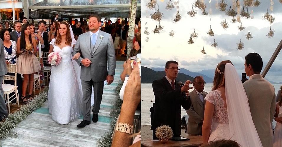 25.mai.2013 - Casamento do jogador de futebol Paulo Henrique Ganso e Giovanna Costi, realizado no Hotel Tabatinga, em Caraguatatuba, litoral norte de São Paulo. Para a cerimônia na praia, a noiva de Ganso optou por um vestido branco rendado nas costas, com decote princesa e véu longo de tule, enquanto o noivo usou terno claro