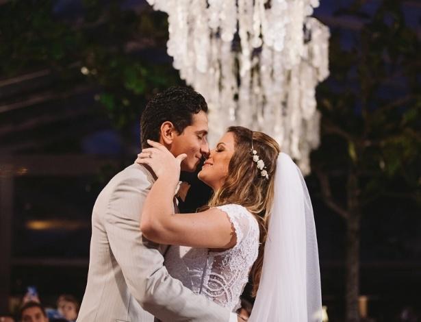 25.mai.2013 - O jogador Paulo Henrique Ganso e Giovanna Costi Gonçalves se casaram em Caraguatatuba, litoral de São Paulo