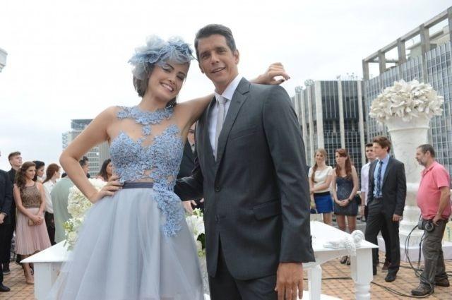 Casamento de Patrícia (Maria Casadevall) e Guto (Márcio Garcia) em