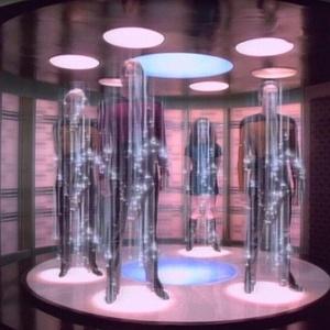 """""""Star Trek"""" tinha teletransportadores dentro das naves. Uma das frases mais conhecidas do Capitão Kirk é justamente o comando do teletransporte: """"Leve-me para cima, Scotty"""" - Reprodução"""