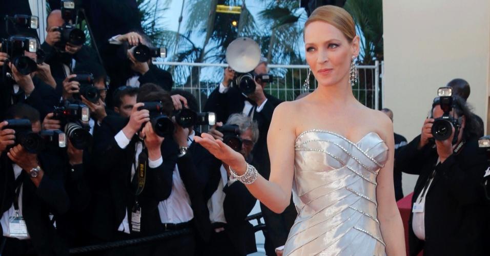 26.mai.2013 - Uma Thurman chega para a cerimônia de encerramento do Festival de Cannes 2013