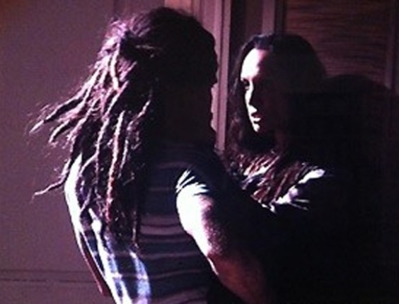 """Em """"Amor à Vida"""", Ninho passa noite com Alejandra"""