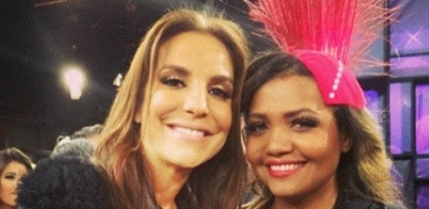 27.mai.2013 - Gaby Amarantos mostra foto ao lado de Ivete Sangalo no dia em que a cantora completa 41 anos