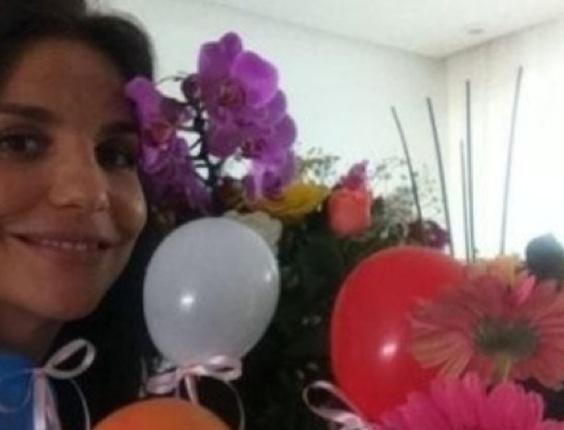 27.mai.2013 - Monique Evans posta foto de Ivete Sangalo para comemorar os 41 anos da cantora.