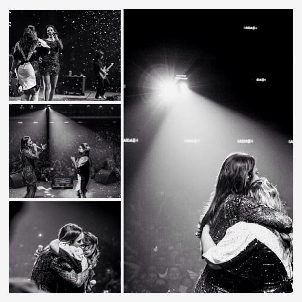 27.mai.2013 - Preta Gil faz homenagem à cantora e amiga Ivete Sangalo, que completa 41 anos.