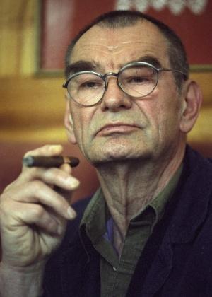 9.fev.1998 - O artista austríaco Otto Muehl - Herbert Pfarrhofer/EFE