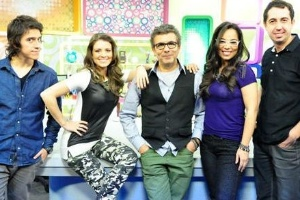 """O elenco do """"Morning Show"""", nova atração da RedeTV!, que estreou nesta segunda-feira (27)"""