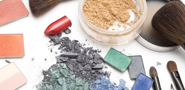 Para não prejudicar a saúde, o visual ou o meio ambiente, é importante ficar de olho no prazo de validade e descartar corretamente os cosméticos - Thinkstock