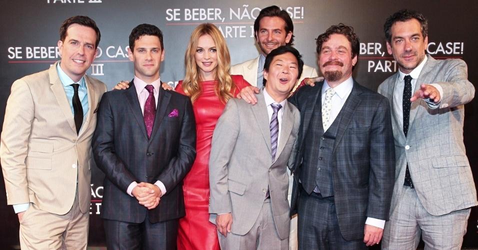 """28.mai.2013 - O elenco de """"Se Beber, não Case"""" se reúne na pré-estreia da terceira parte do filme, realizada no Cine Odeon, no Rio"""