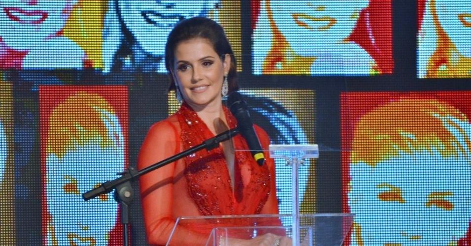 28.mai.2013- Deborah Secco na festa de 50 anos de Xuxa, em São Paulo. A atriz foi mestre de cerimônias do evento ao lado de Roberto Justus