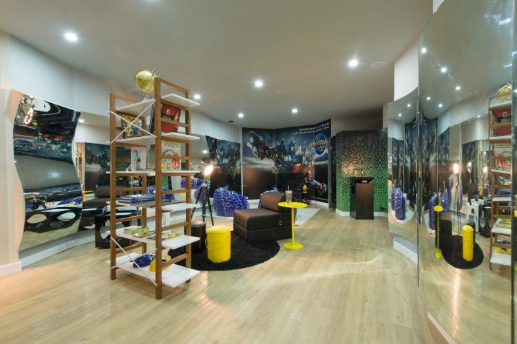 Quem assina o Espaço Menino é a designer de interiores Roberta Rocino. A 27ª Casa Cor SP segue até dia 21 de julho de 2013, no Jockey Club de São Paulo