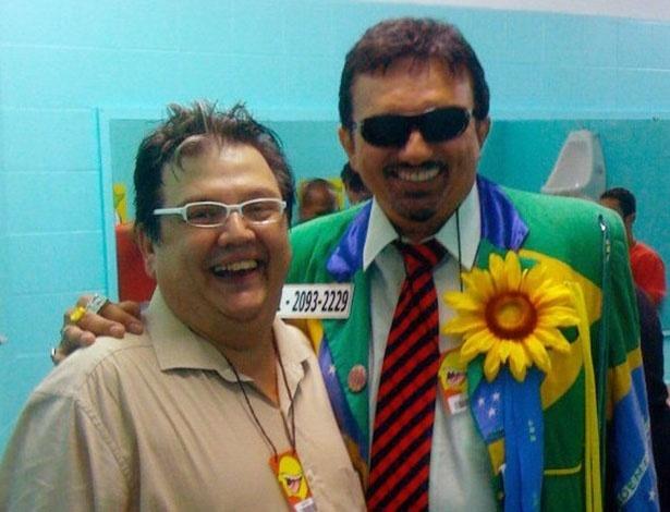 Márcio Ribeiro encontra Falcão nos bastidores do festival Risadaria