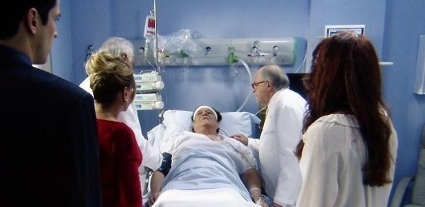 """Em """"Amor À Vida"""", Atílio sobrevive ao atentado de Félix, mas perde a memória"""