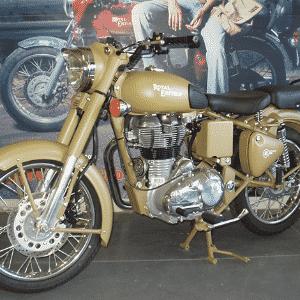Royal Enfield Bullet Classic 500 - Reprodução