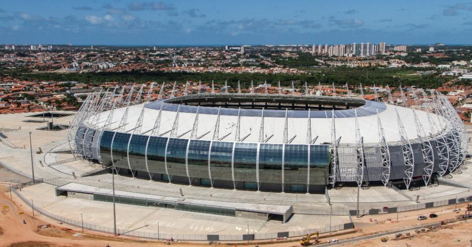 Com custo final de R$ 519 milhões, a Arena Castelão foi a primeira ser oficialmente entregue entre as 12 que vão sediar os jogos da Copa do Mundo