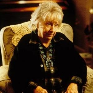 "A atriz americana Jean Stapleton no filme ""Michael - Anjo e Sedutor"""