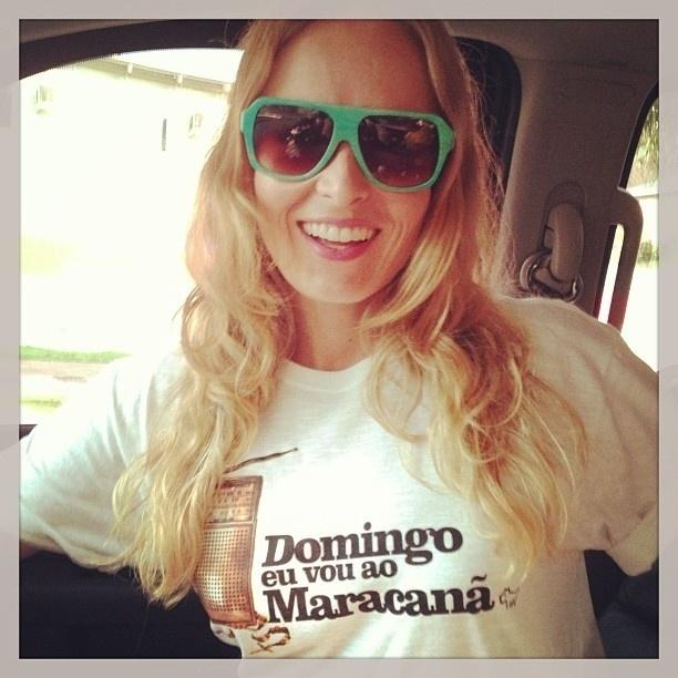 2.jun.2013 - Angélica publica foto a caminho do estádio do Maracanã, que será reinaugurado neste domingo (2), com o amistoso entre Brasil x Inglaterra