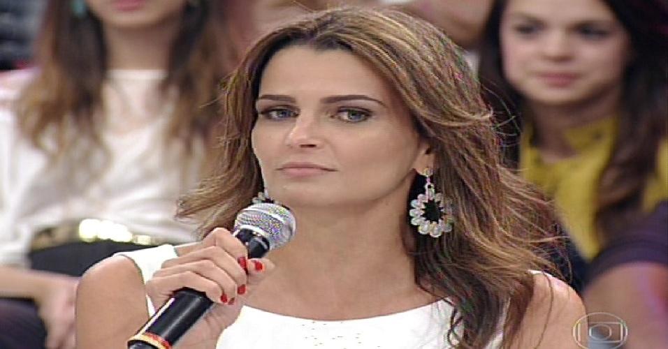 """2.jun.2013 - Fernanda Motta participa do júri do quadro """"Dança dos Famosos"""""""