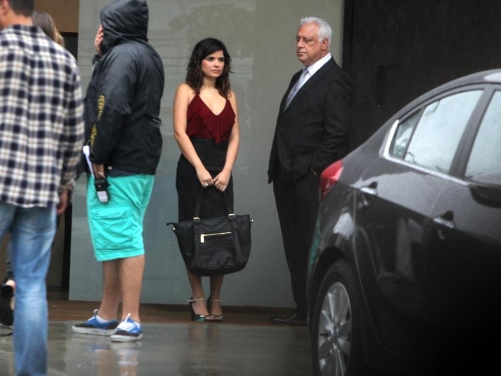 3.mai.2013 - Atores Vanessa Giócomo e Antonio Fagundes gravam cenas da novela