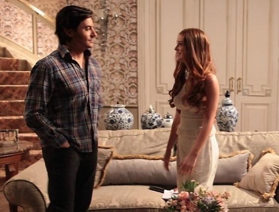 """Em """"Amor à Vida"""", Thales e Nicole jantam a sós"""