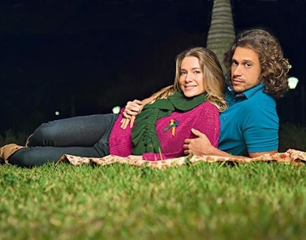 04.jun.2013 - Letícia Spiller e o marido pretendem se casar