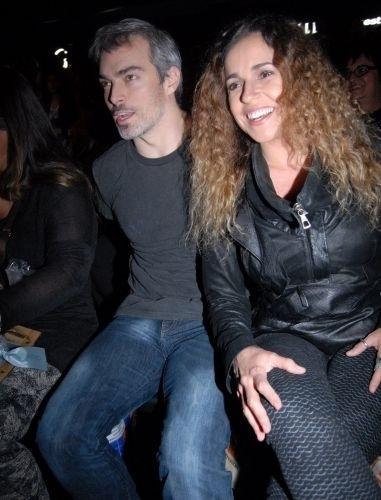 A cantora Daniela Mercury e o marido Marco Scabia estão em processo de adoção de uma menina.