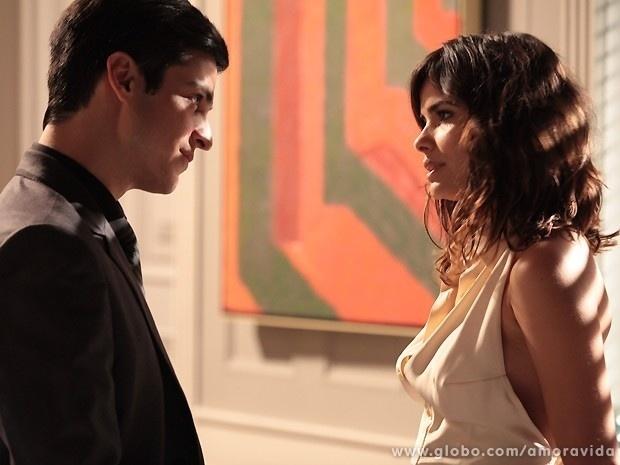"""Em """"Amor à Vida"""", Félix diz para Aline não se meter com sua família"""