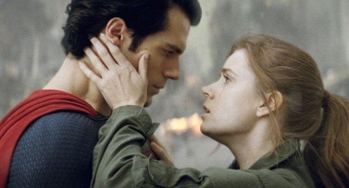 Henry Cavill e Amy Adams no papel de Super-Homem e Lois Lane.
