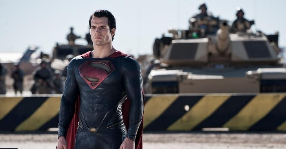 Henry Cavill vive o novo Super-Homem em