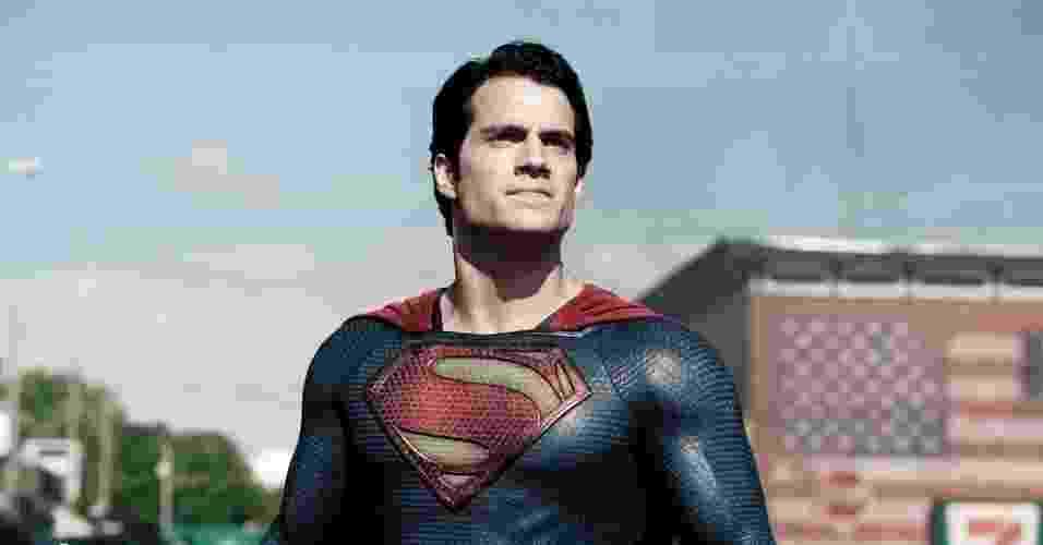"""Henry Cavill vive o novo Super-Homem em """"O Homem de Aço"""". O desafio era fazer um Superman mais realista. Um Superman que existisse no mundo real?, disse David S. Goyer, roteirista dessa nova aventura cinematográfica dirigida por Zack Snyder - Divulgação"""
