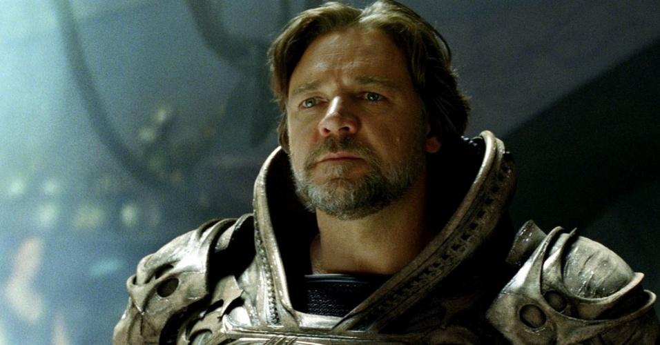 Jor-El (Russell Crowe) em