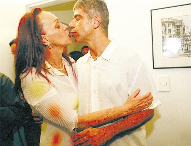 2000 - Scarlet Moon e Lulu Santos antes de um show do cantor em São Paulo