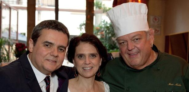 Cássio Gabus Mendes e Lídia Brondi oficializam união