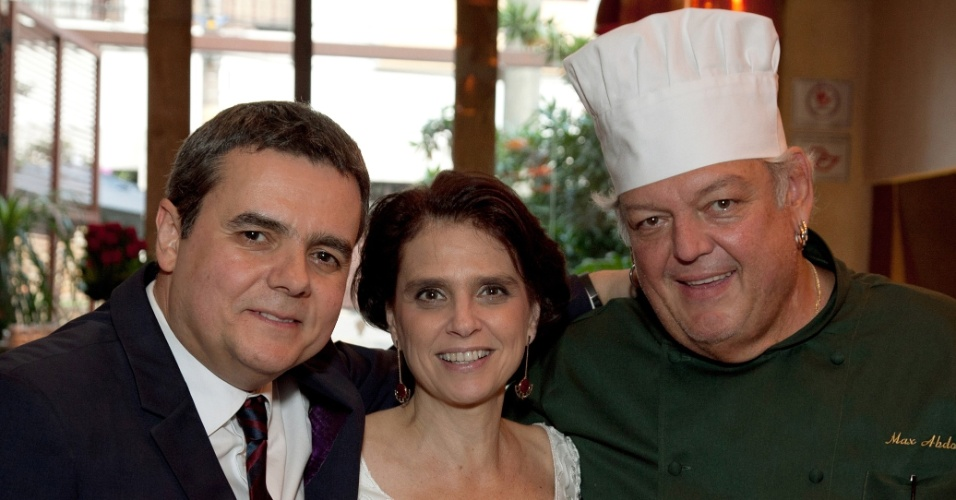 25.mai.2013- Cássio Gabus Mendes e Lídia Brondi oficializam união
