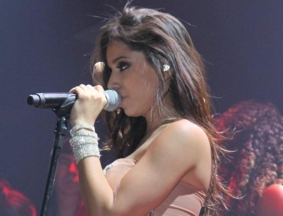 5.jun.2013 - Anitta faz show em São Paulo, no Villa Mix. Acompanhada de bailarinas, a funkeira canta e dança durante toda a apresentação