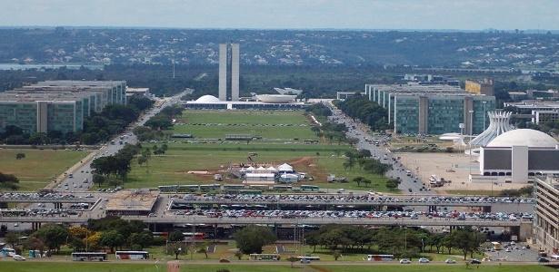 Vista geral do Eixo Monumental de Brasília, a representante brasileira mais bem colocada entre as cidades campeãs de qualidade de vida no mundo