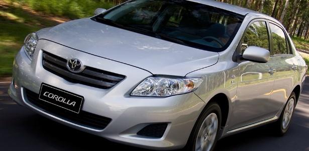 Defeito no vidro da porta do motorista pode provocar incêndio em Corolla, Camry e RAV4 - Divulgação