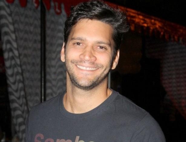 06.jun.2013 - A festa também contou com a presença de Armando Babaioff