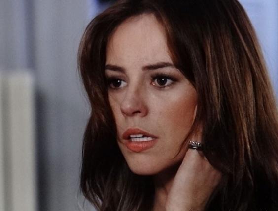 "Em ""Amor à Vida"", Pilar dá tapa na cara de Paloma"