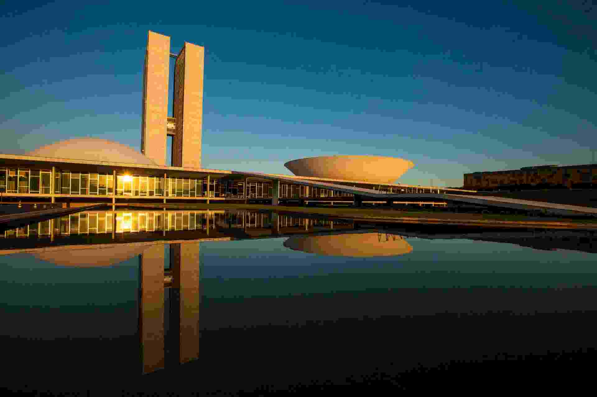 Projetado por Oscar Niemeyer, o Congresso Nacional promove visitas guiadas que contam um pouco da história do Poder Legislativo no país, percorrendo salas, galerias e plenários das duas casas legislativas - Bruno Pinheiro/Setur-DF