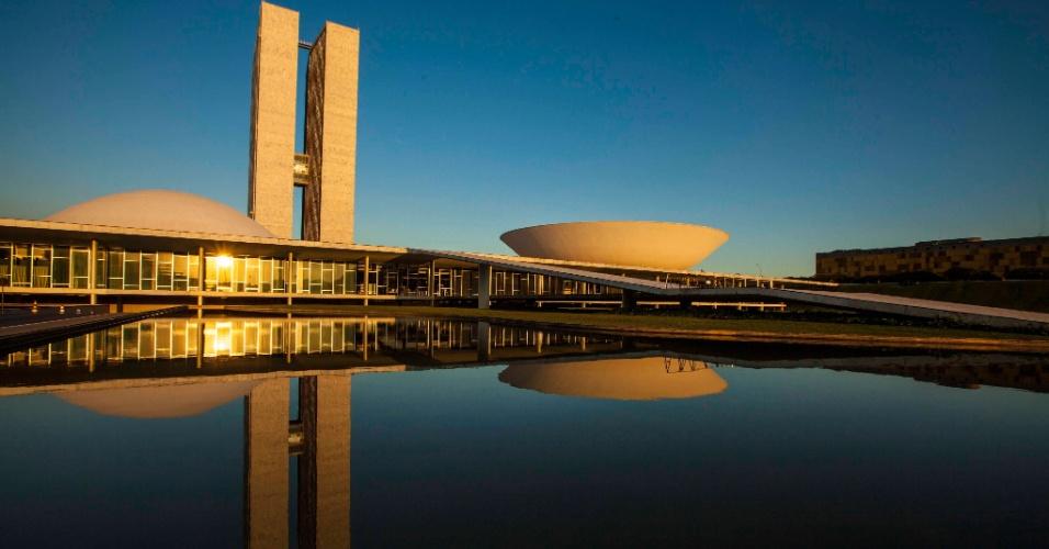 Projetado por Oscar Niemeyer, o Congresso Nacional promove visitas guiadas que contam um pouco da história do Poder Legislativo no país, percorrendo salas, galerias e plenários das duas casas legislativas