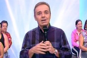 "Gugu Liberato comanda o último ""Programa do Gugu"" na Record"