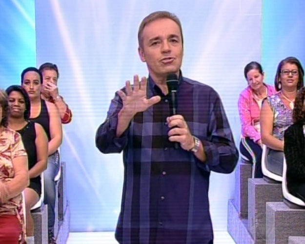 "9.jun.2013 - Gugu Liberato se despede no ""Programa do Gugu"" na Record"