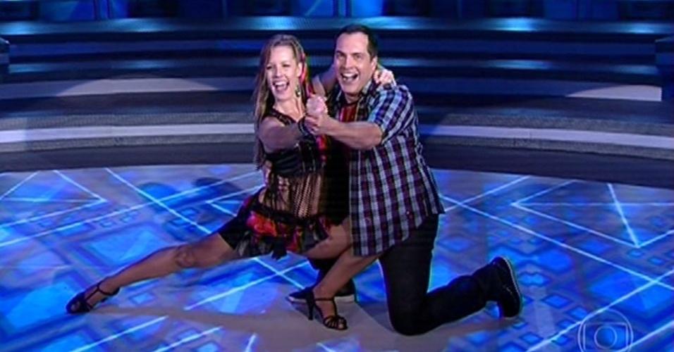 """Daniel Boaventura e Juliana Valcézia dançam Fiorino"""", de Gabriel Gava, na noite forró na """"Dança dos Famosos"""""""