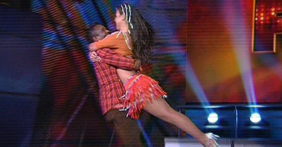 """Edílson e Lidiane Rodrigues dançam """"Camaro Amarelo"""", de Munhoz e Mariano, na noite forró na """"Dança dos Famosos"""""""