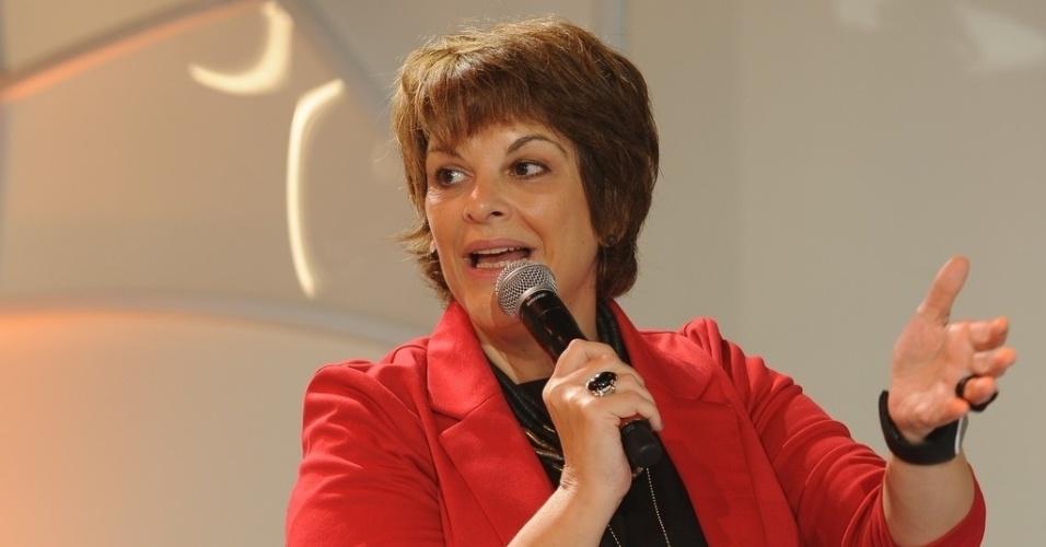 """10.jun.2013 - Leonor Corrêa em coletiva de imprensa do programa """"Festival Sertanejo"""", do SBT"""