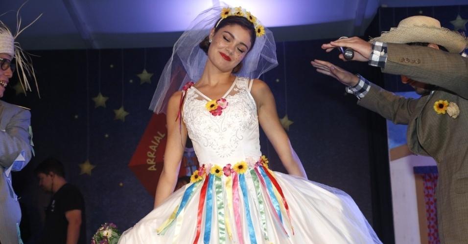 """9.jun.2013 - Sophie Charlotte se veste de noiva na décima edição do """"Roça in Rio ? Arraial da Providência"""", que aconteceu no Jockey Clube do Rio de Janeiro"""
